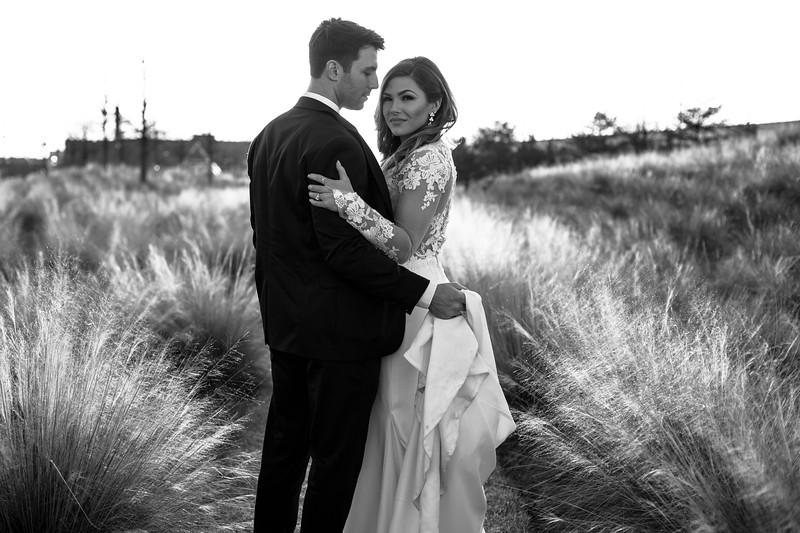 Kate&Josh_B&W_ZACH.WATHEN.PHOTOGRAPHER-441.jpg