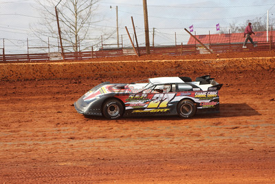 U.M.P. DIRTcar Late Models