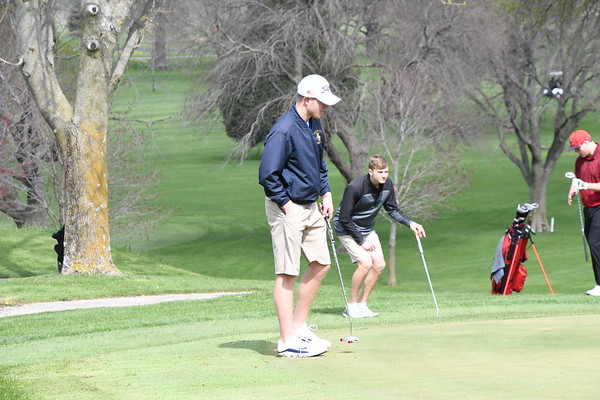 Boys Golf at Hampton