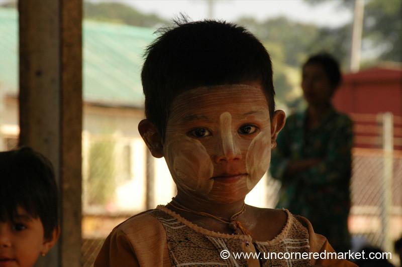Thanaka Makeup - Toungoo, Burma