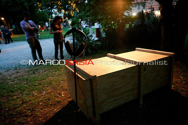 0132-zooart-01-2012.jpg