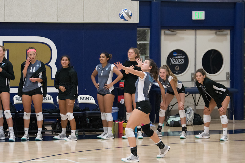 HPU Volleyball-91638.jpg