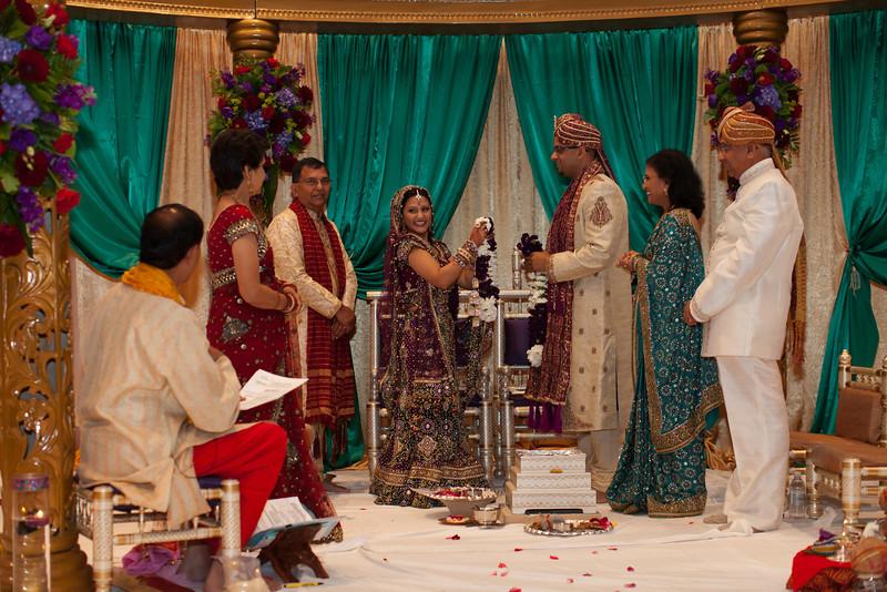 Shikha_Gaurav_Wedding-990.jpg