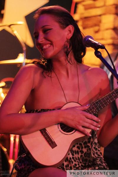 Anuhea in Las Vegas, July 2011  (Photo by Benjamin Padgett)