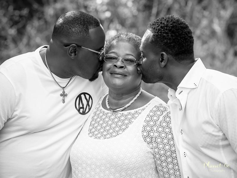Sasha's Family Mother's Day Shoot-26.jpg