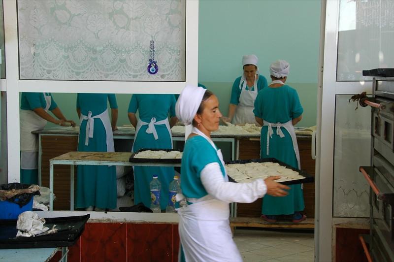 Preparing Soms at Tolkuchka Market - Ashgabat, Turkmenistan
