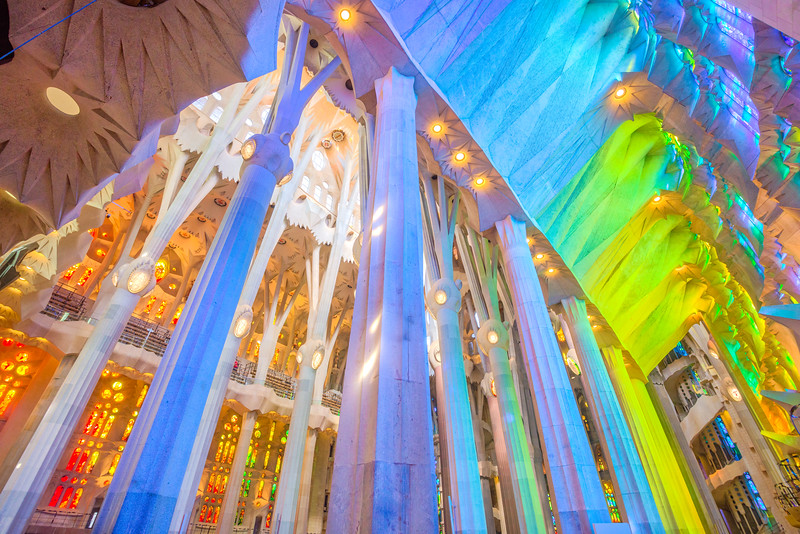 Sagrada-Familia-side-view-1.jpg
