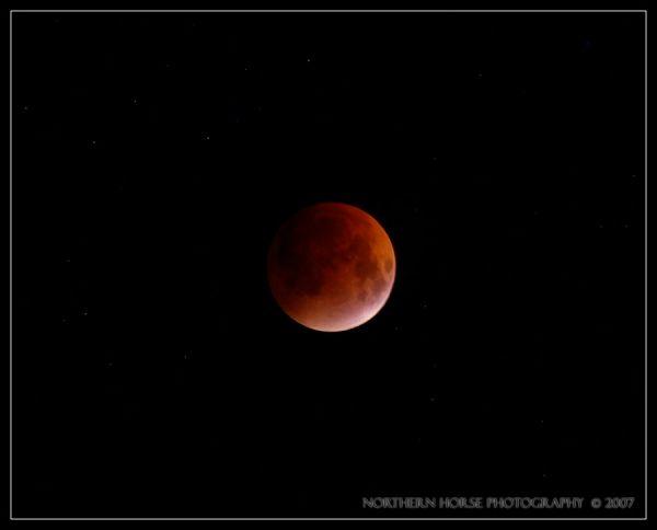 1. Lunar eclipse, by NrthrnHrse. 8/28/07, E-300.