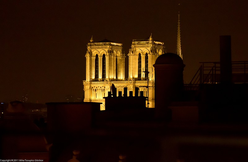 Paris. Notre-Dame at night