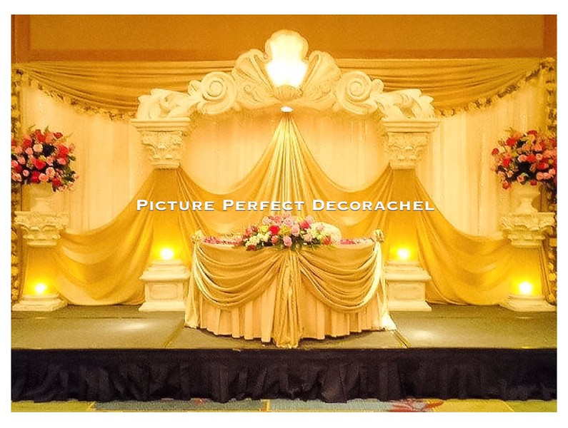 Sweetheart Table Backdrop with Grecian Columns