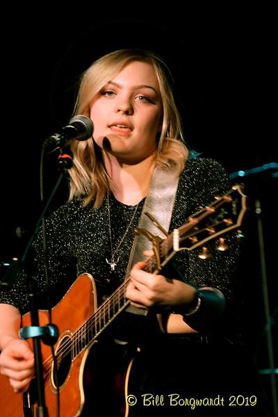 Olivia Rose - Lauren Mayell - Station  02-19 003.jpg