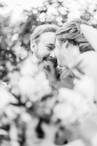 457_Ryan+Hannah_WeddingBW.jpg