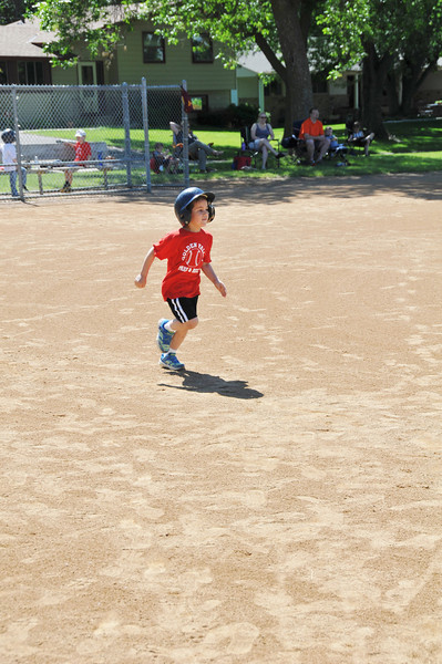 2014-06-16 Owen's First Tball Game 007.JPG