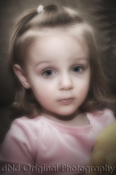 12d 2008 Christmas (Tomicich) - Brielle (crop vig nik glow half desat).jpg