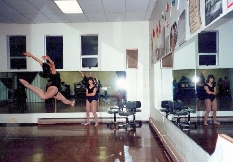 Dance_2222_a.jpg