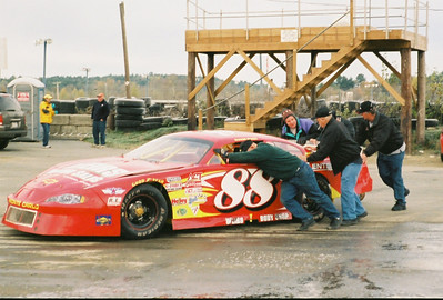 Late Model race with Mike Rowe @ Canaan 10-2-2005