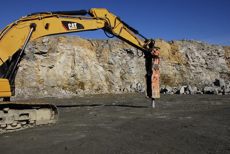 NPK GH30 hydraulic hammer on Cat excavator - Vulcan Materials - Barin Quarry, GA  1-18 (3).JPG