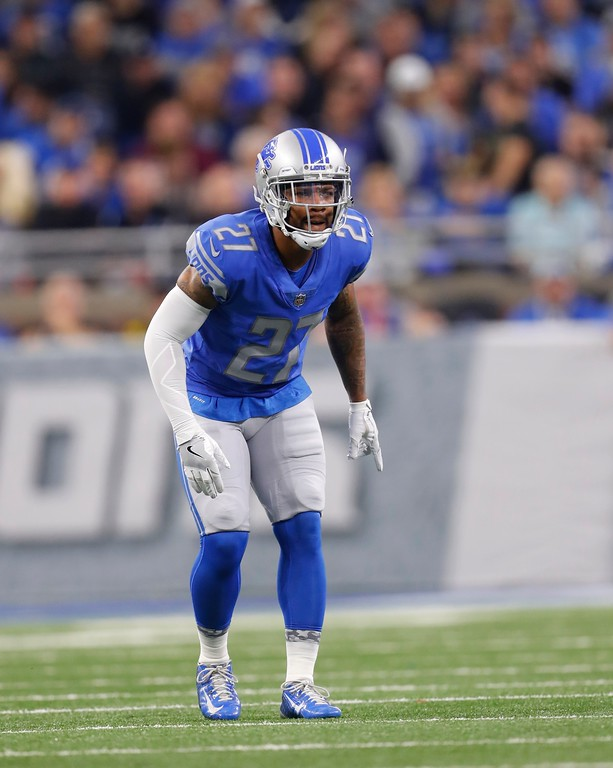 . Detroit Lions free safety Glover Quin waits on the snap during the first half of an NFL football game against the Cleveland Browns, Sunday, Nov. 12, 2017, in Detroit. (AP Photo/Paul Sancya)