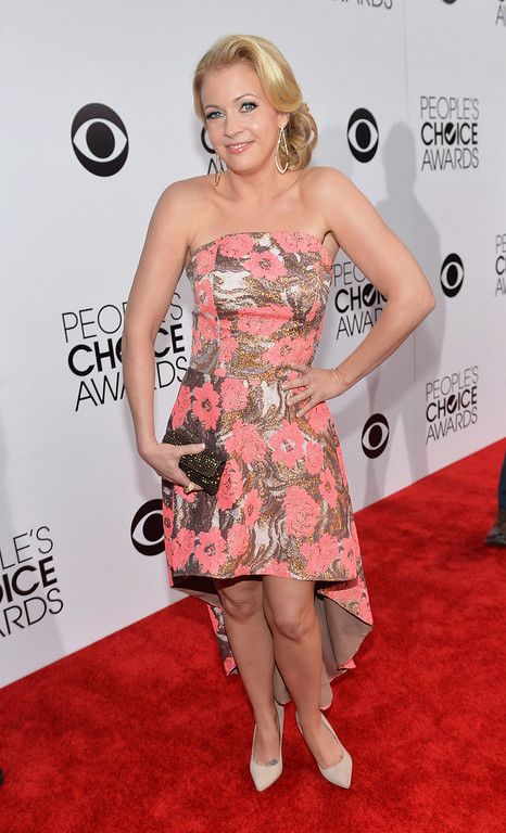 . LOS ANGELES, CA - JANUARY 08:  Actress Melissa Joan Hart attends The 40th Annual People\'s Choice Awards at Nokia Theatre L.A. Live on January 8, 2014 in Los Angeles, California.  (Photo by Michael Buckner/Getty Images for The People\'s Choice Awards)