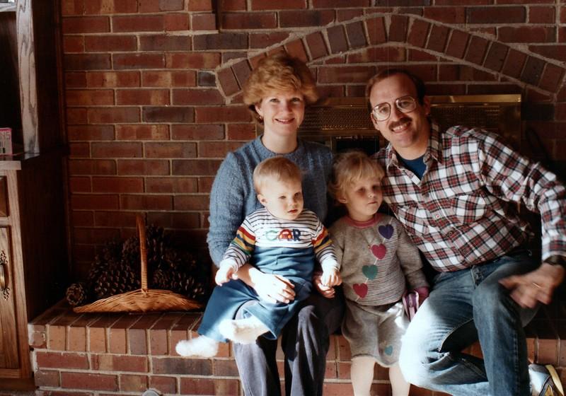 1984_November_Maren_Birthday_and_Christmas_photo__0012_a.jpg
