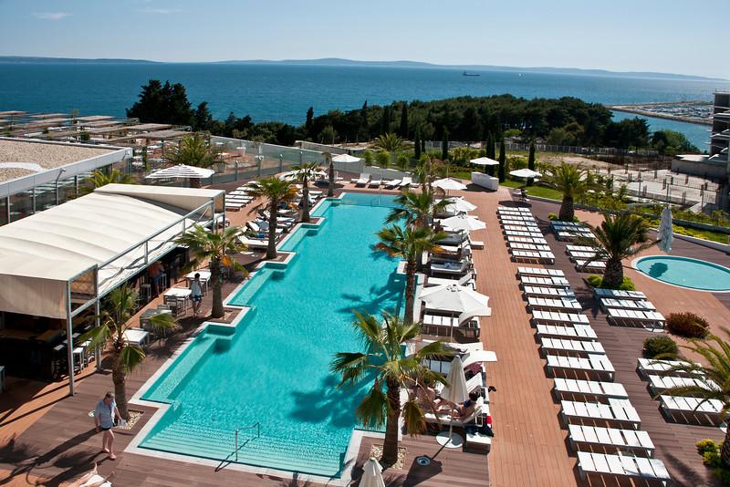 Pool and Spa of Raddison Blu 2.jpg