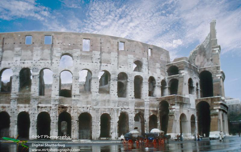 197901_Rome_-_Coliseum_(2).jpg