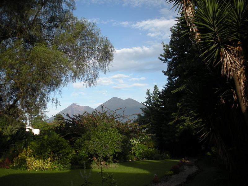 Volcán de Fuego e Volcán Acatenango