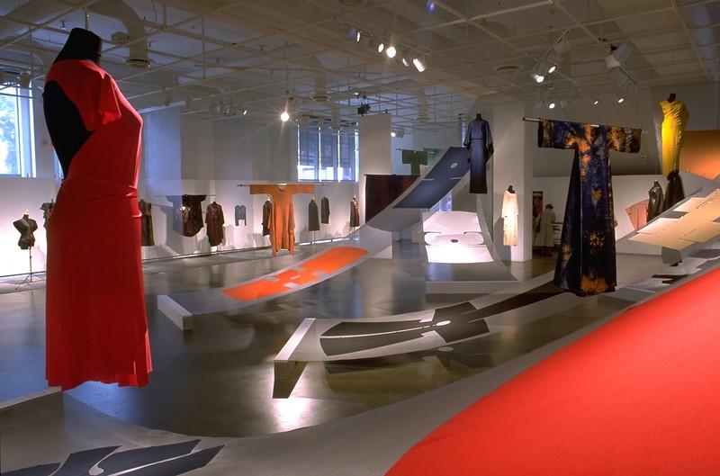 Geneviève Sevin-Doering, Rosie Godbout - Exposition - Centre de design - Saison 2000-2001 - Crédit photo Michel Brunelle