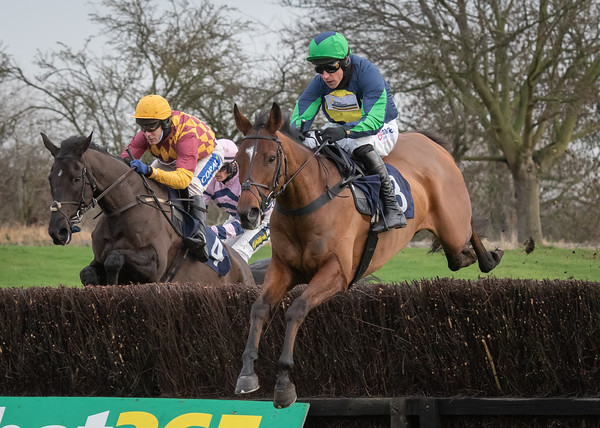 Uttoxeter Races - Tue 08 Dec 2020