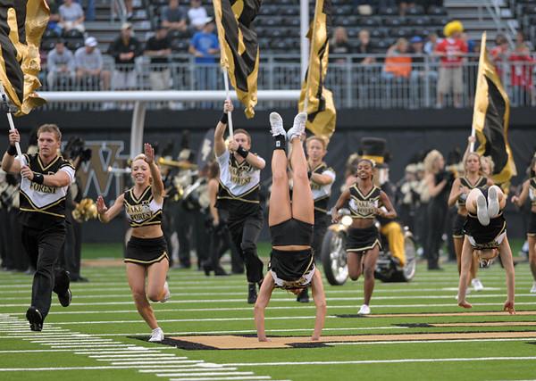 Cheerleaders pregame 01.jpg