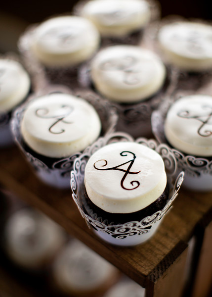 Cupcakes by Yummy Cakes, Wedding at Nolichucky Vineyard by Everbright Photography