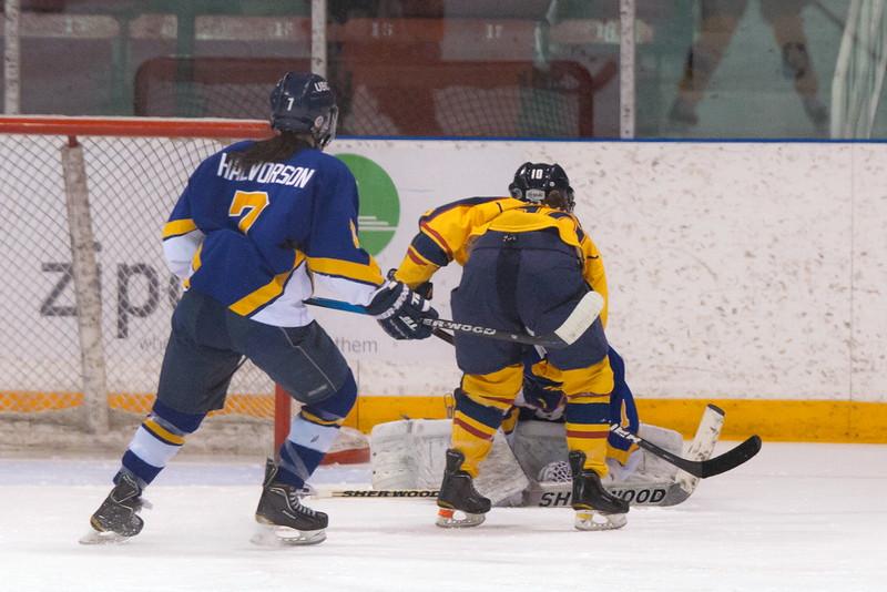 20130310 QWHockeyvsUBC 191.jpg