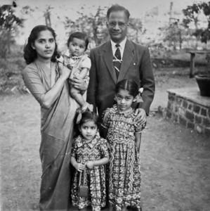 Ragini's Childhood photos