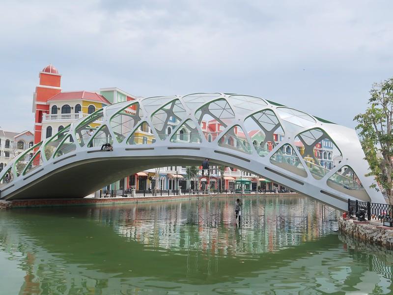 IMG_9531-modern-bridge.jpg