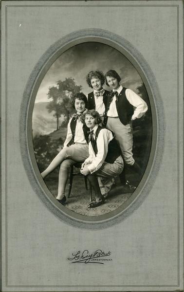1900-1950 Chris's Family-2.jpg