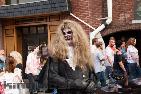 ZombieWalk2012131012031.jpg