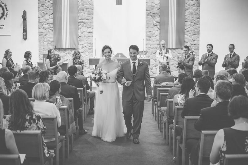 MP_18.06.09_Amanda + Morrison Wedding Photos-10-02143-BW.jpg