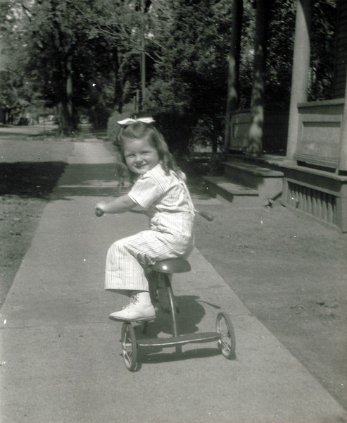 1945 Bonnie.jpeg