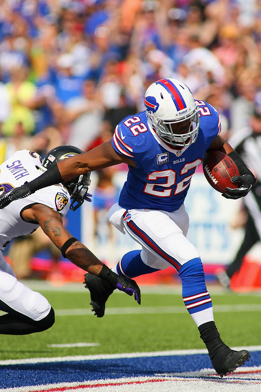 . ORCHARD PARK, NY - SEPTEMBER 29:   Fred Jackson #22 of the Buffalo Bills scores Buffalo\'s second touchdown against the Baltimore Ravens at Ralph Wilson Stadium on September 29, 2013 in Orchard Park, New York.  (Photo by Rick Stewart/Getty Images)