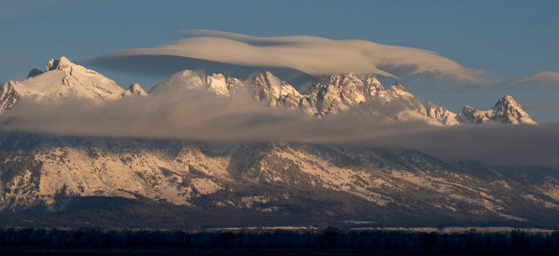 teton clouds-pan.jpg