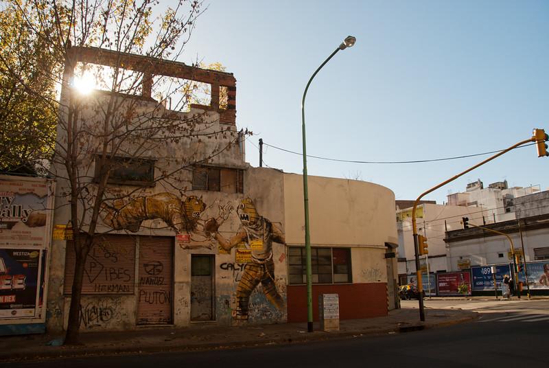 Buenos Aires Graffiti 150.jpg