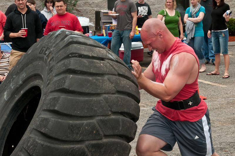 Fitness Revolution Strongman Challenge 2011_ERF4214.jpg