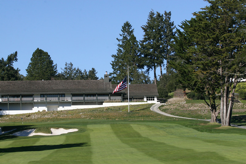 9 green and clubhouse.JPG