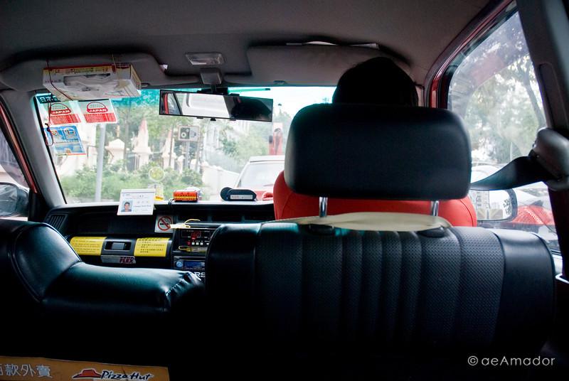aeamador©-HK08_DSC0003      Hong Kong. Kowloon. Tsim Sha Tsui. Inside a taxi.