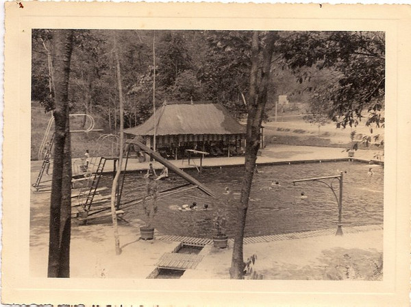 Mussungue , Piscina do Dundo, em 1940.