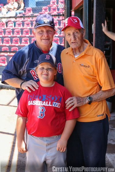 Thanks to Walter Gretzky for throwing out the game's first pitch Brantford Red Sox vs. London Majors July 7, 2018