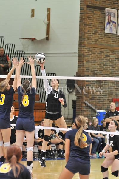 10-24-13 Sports Dist final V-Ball Pettisville vs Toledo Christ.