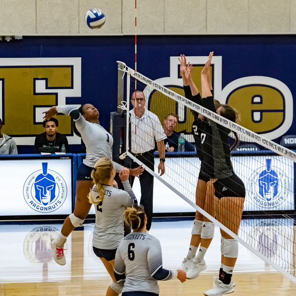 HPU vs NDNU Volleyball-71693.jpg