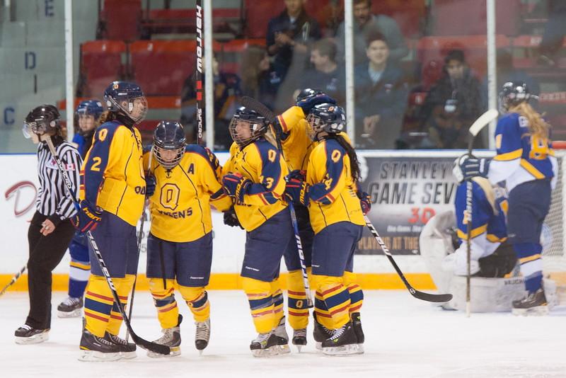 20130310 QWHockeyvsUBC 583.jpg