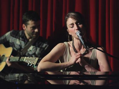 Sara Bareilles @ Hotel Cafe (03/13/2009)